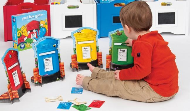 2-489-boy-playing-post-box-game-1390-standard